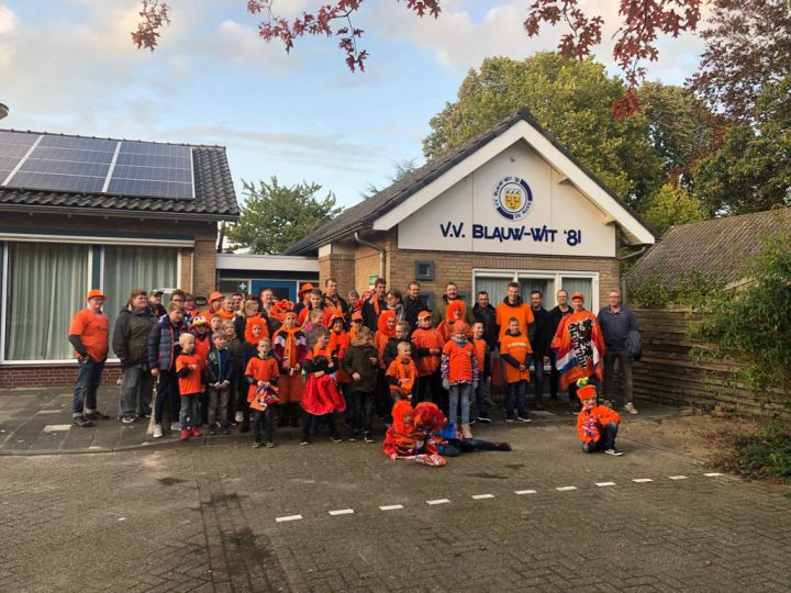 Jeugd van Blauw-Wit '81 ziet Nederland winnen van Noord Ierland