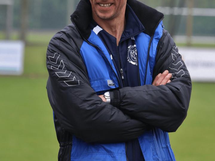 Droevig bericht: dames 1 trainer Peter Berende onverwacht overleden